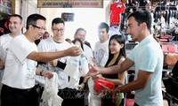 Hô Chi Minh-ville campagne pour mettre fin à la pollution plastique