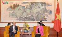 Nguyên Thi Kim Ngân reçoit des chefs d'entreprises chinois