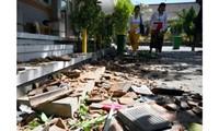 Un séisme et début de panique à Bali