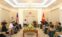 Vietnam-USA: coopération dans la réparation des dommages de guerre et le maintien de la sécurité maritime