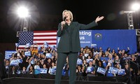 US elections: Young voters support Clinton