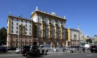 US to resume limited visa issuing in Russia