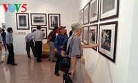 American Photography Assiociation opens exhibition in Hanoi