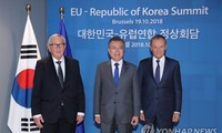 EU, South Korea commit to free trade, Korean peace