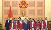 Nguyên Xuân Phuc rencontre la délégation vietnamienne aux ASIAD 18
