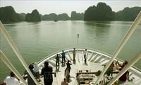 La délégation de l'ASOSAI visite la baie d'Ha Long