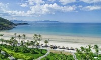 Khanh Hoa province welcomes first two cruise ships of 2015