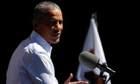 President Obama urges China to stop escalating tensions in the East Sea