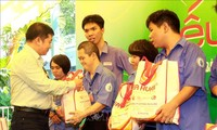Mid-Autumn programs held for Vietnamese children