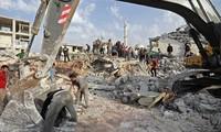 US-led coalition air strikes kill 14 civilians in east Syria
