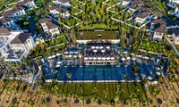 "Premier Village Danang Resort honored with ""Luxury Family Beach Resort"" award"