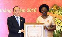 Freundschaftsorden an Vize-Präsidentin der Weltbank Victoria Kwakwa verliehen