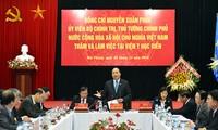 Premierminister Nguyen Xuan Phuc besucht das nationale Institut für maritime Medizin