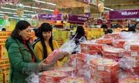 Die vietnamesischen Waren sind zum Neujahrsfest auf dem Binnenmarkt bevorzugt