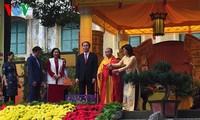 Staatspräsident Tran Dai Quang nimmt an Gebet in der Thang Long-Zitadelle teil