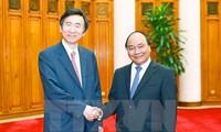 Premierminister Nguyen Xuan Phuc empfängt den südkoreanischen Außenminister