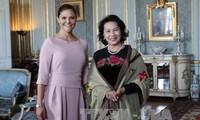 Parlamentspräsidentin Nguyen Thi Kim Ngan trifft Kronprinzessin von Schweden Victoria Alice Désirée