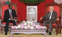 Der mosambikanische Premierminister beendet den Besuch in Vietnam