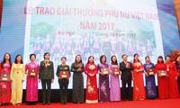 Verleihung des Frauenpreises 2017 an 8 Einheiten und 10 Personen