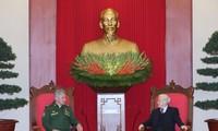 KPV-Generalsekretär Nguyen Phu Trong empfängt den russischen Verteidigungsminister