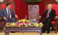 KPV-Generalsekretär Nguyen Phu Trong empfängt Parlamentspräsidenten aus der Mongolei