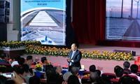 Nguyen Xuan Phuc nimmt an Konferenz zur Investitionsförderung in der Provinz Bac Lieu teil