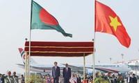 Der Besuch des Staatspräsidenten Tran Dai Quang steht in Schlagzeilen der Zeitungen in Bangladesch