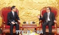 Der Sekretär der internationalen Konferenz der asiatischen politischen Parteien zu Gast in Vietnam