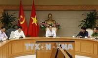 Vize-Premierminister Vu Duc Dam tagt mit Ministerien über den Einsatz von Beamten und Angestellten