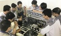 Schaffung von Arbeitsplätzen für bedürftige Jugendliche