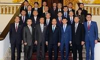 Premierminister Nguyen Xuan Phuc empfängt den Gouverneur der japanischen Provinz Fukuoka