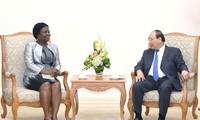 Premierminister Nguyen Xuan Phuc empfängt Vize-Vorsitzende der Weltbank für Ostasien-Pazifik-Region