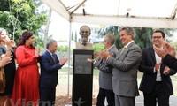 Einweihung der Statue des Präsidenten Ho Chi Minh in Guadalajara in Mexiko