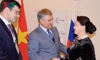 Parlamentspräsidentin Nguyen Thi Kim Ngan trifft den russischen Duma-Vorsitzenden