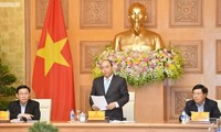 Premierminister Nguyen Xuan Phuc tagt mit der Wirtschaftsberatungsgruppe