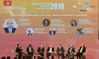 Premierminister Nguyen Xuan Phuc nimmt am vietnamesischen Wirtschaftsforum 2019 teil