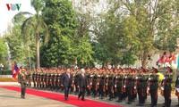 KPV-Generalsekretär und Staatspräsident Nguyen Phu Trong führt Gespräch mit Bounnhang Vorachith