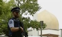 Australische Polizisten untersuchen den Wohnort des Täters der Schießerei in Neuseeland