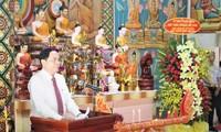 Der Vorsitzende der Vaterländischen Front wünscht Glück zum Fest Chol Chnam Thmay in Soc Trang