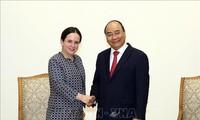 Premierminister Nguyen Xuan Phuc empfängt die rumänische Staatssekretärin Monica Gheorghita