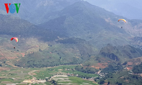 Das Gleitschirm-Festival in der Bergprovinz Yen Bai
