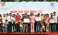 Ngày hội gia đình trẻ và tuyên dương gia đình trẻ tiêu biểu 2013