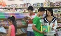 Thị trường phục vụ năm học mới: hàng Việt được tin dùng