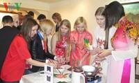 Sinh viên Nga hào hứng với hoạt động ngoại khóa về Việt Nam