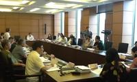 Quốc hội thảo luận về dự thảo Luật ban hành văn bản quy phạm pháp luật