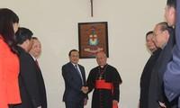Thành phố Hà Nội chúc mừng Giáng sinh Tòa Tổng giám mục và Giáo dân