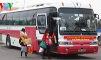 Hà Nội tổ chức đưa công nhân về quê ăn Tết miễn phí