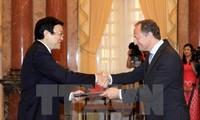 Президент СРВ Чыонг Тан Шанг принял послов, вручающих ему верительные грамоты