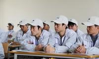 В 2016 году Вьетнам продолжит направлять более 100 тыс человек на работу за границей