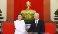 Генсек ЦК КПВ Нгуен Фу Чонг принял спикера лаосского парламента Пани Ятхоту